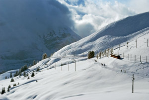 Stunning Alpine Winter landscapes on the Swiss Mountain Trains Tour